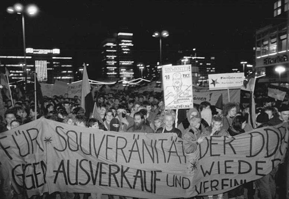 1990 DDR Photo